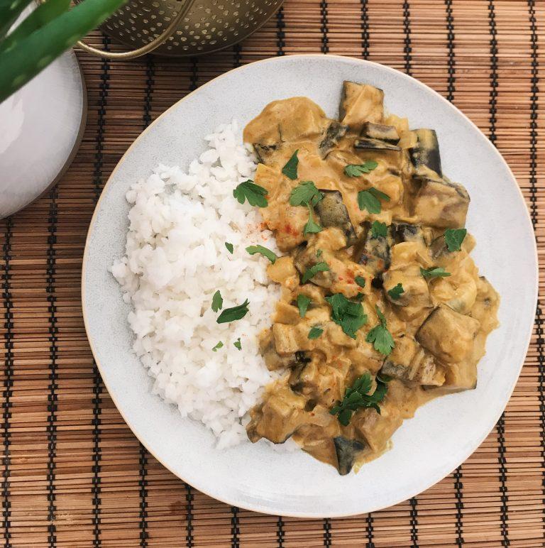 Mogyorós Padlizsán Curry